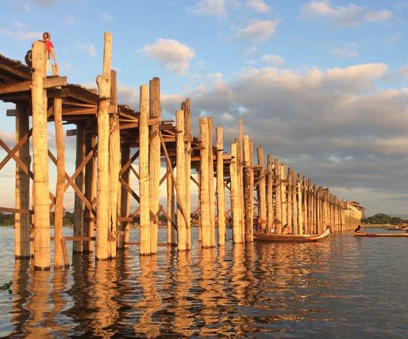 A ponte de madeira em Mandalay